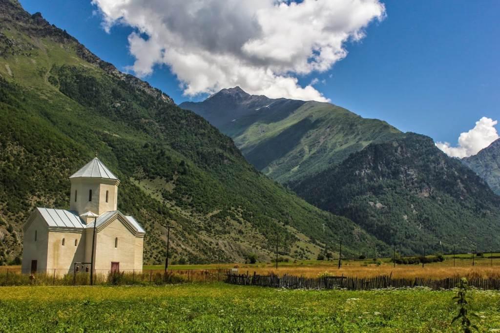 Церковь в общине Жабеши, Сванетия
