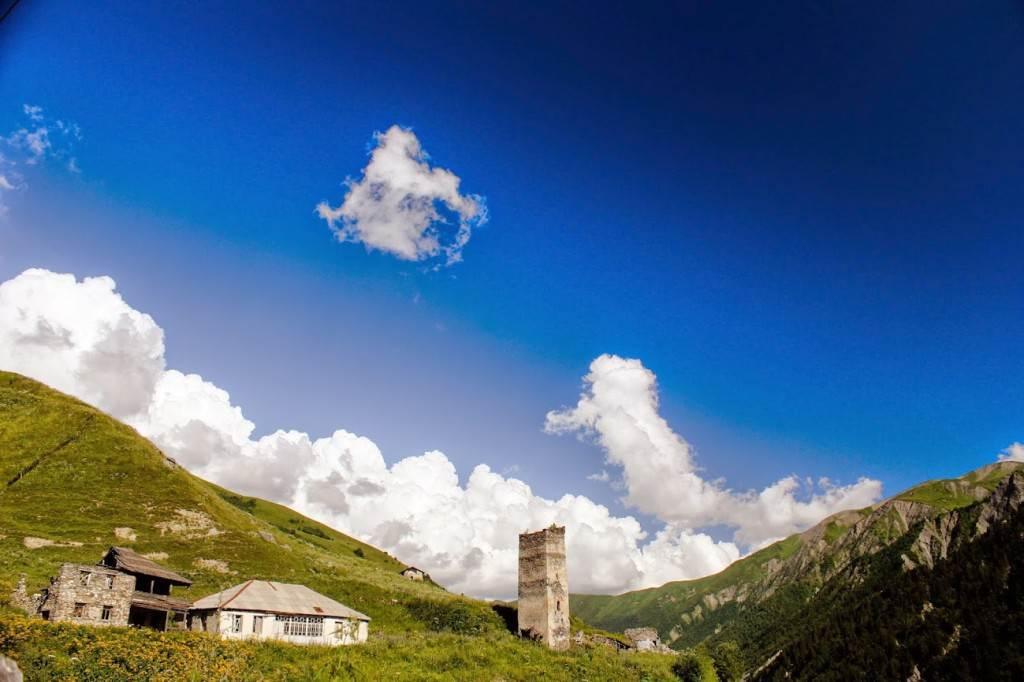 Окраина села Адиши, Сванетия