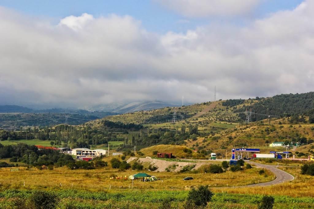 Грузинско-турецкая граница, вид из Грузии