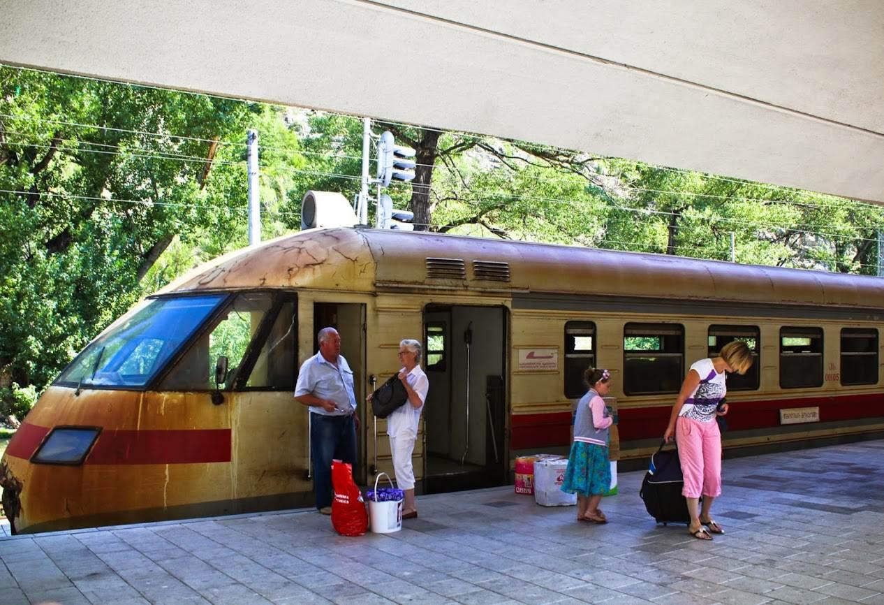 Какое расстояние от тбилиси до батуми