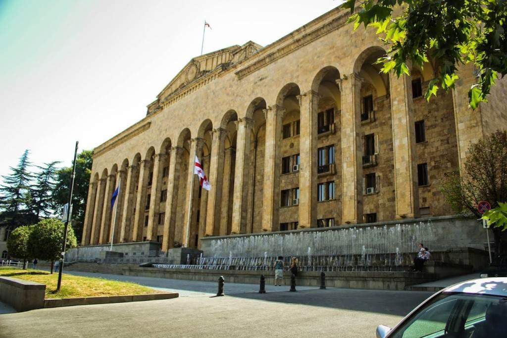 Дом Правительства, Тбилиси, год постройки 1953
