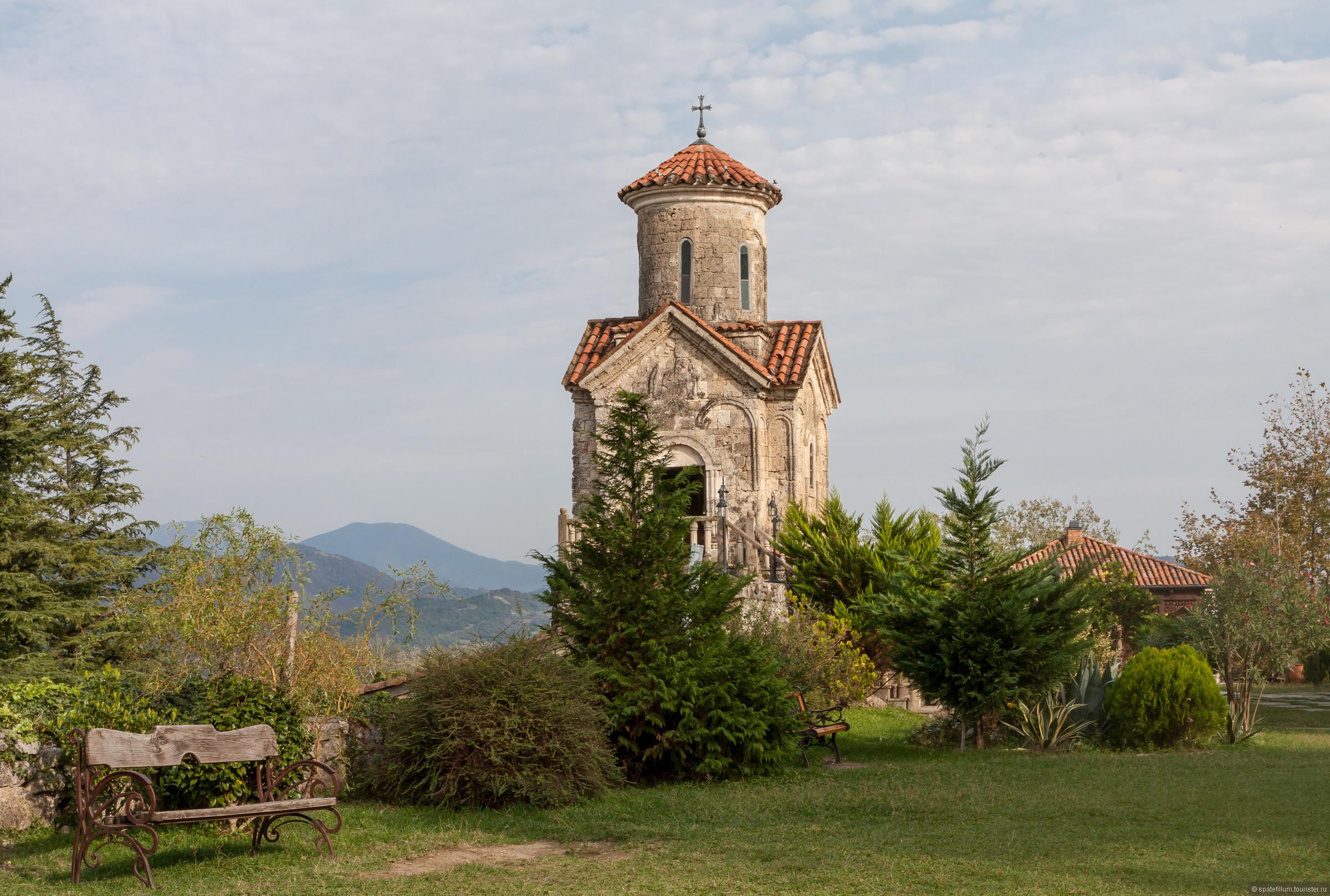 Мартвильский монастырь рядом