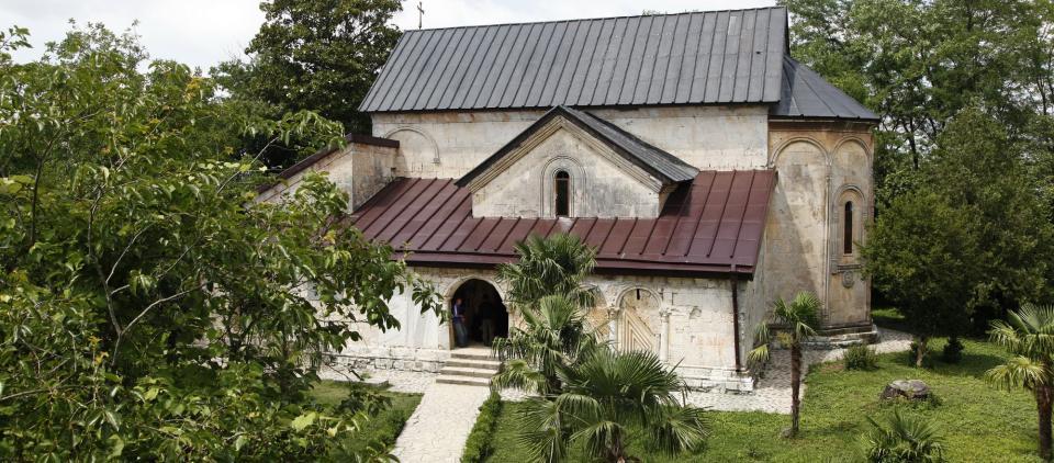 Монастырь Хоби, Достопримечательности Самегрело