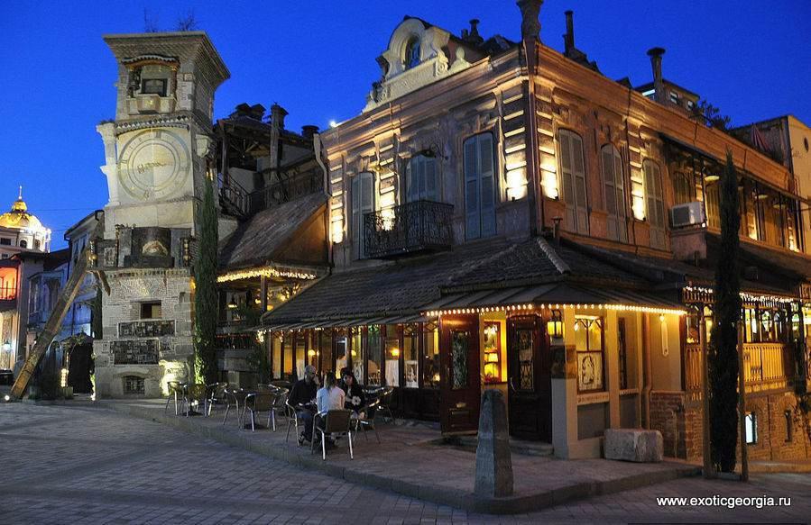 Несколько взглядов на ночной Тбилиси