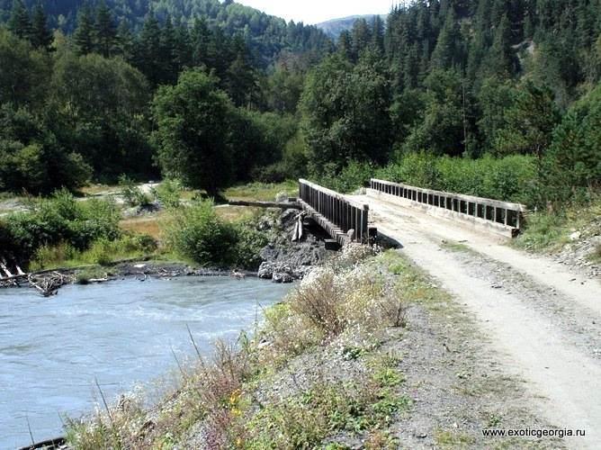 Пирикительская Алазани, мост и дорога из Омало в Шенако