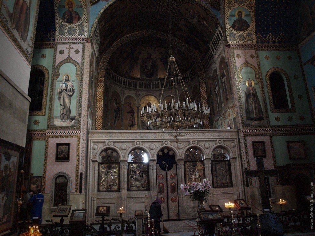 Картинки по запросу Тбилисский кафедральный собор Цминда Самеба интерьер