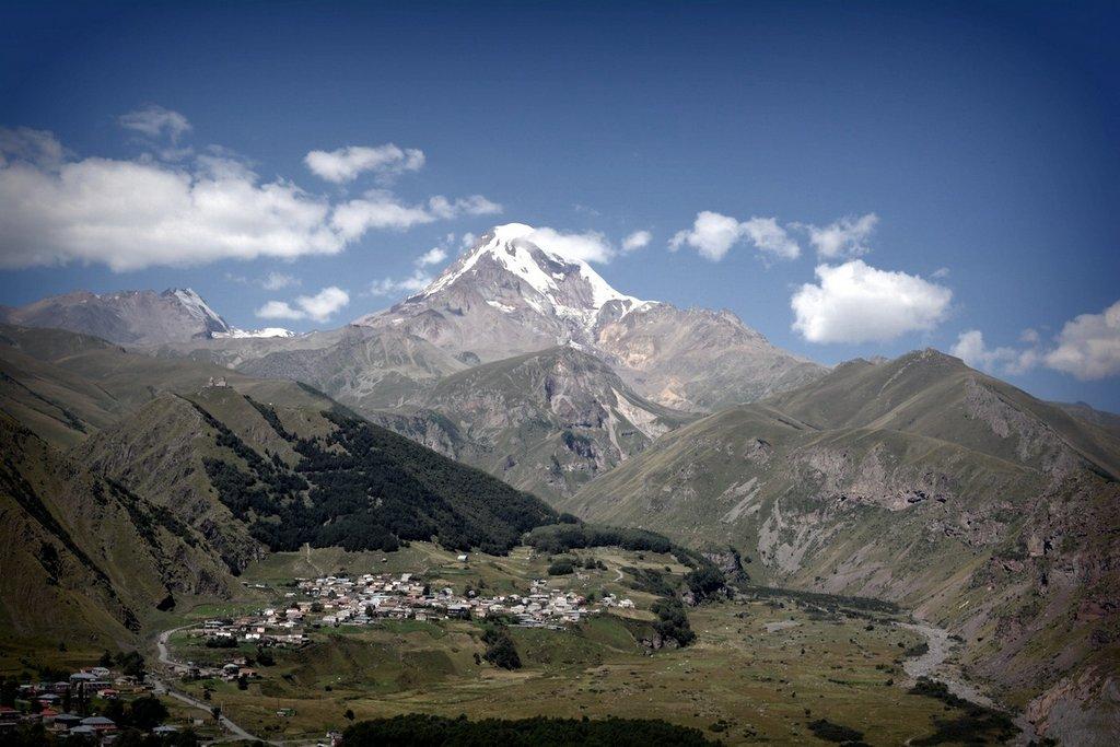 Тианети вид на гору с Тианети