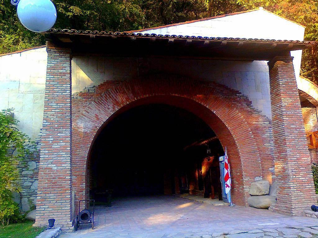 Тоннель. Винный погреб
