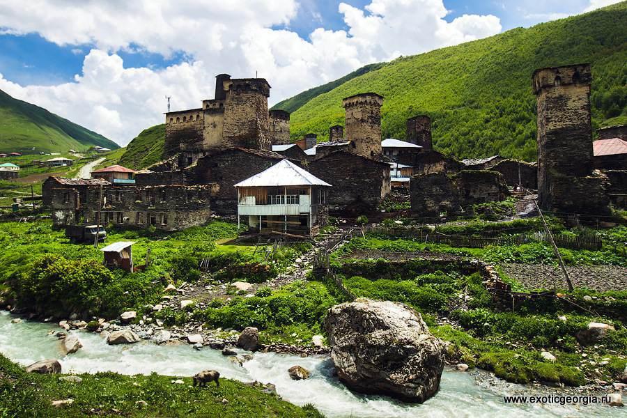 Ушгули — это община, состоящая из четырех сел. Каждое из них напоминает небольшую отдельную крепость