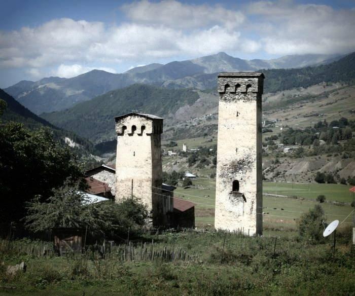 община Мулахи дом с башнями