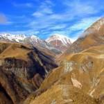 Казбеги и Крестовый перевал, виды с Гергети