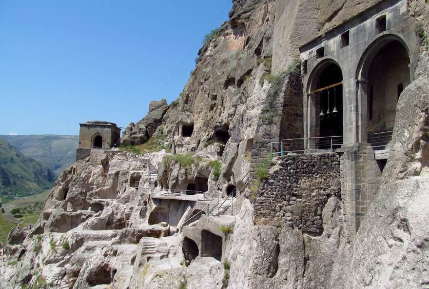 Рабати и пещерный город Вардзиа