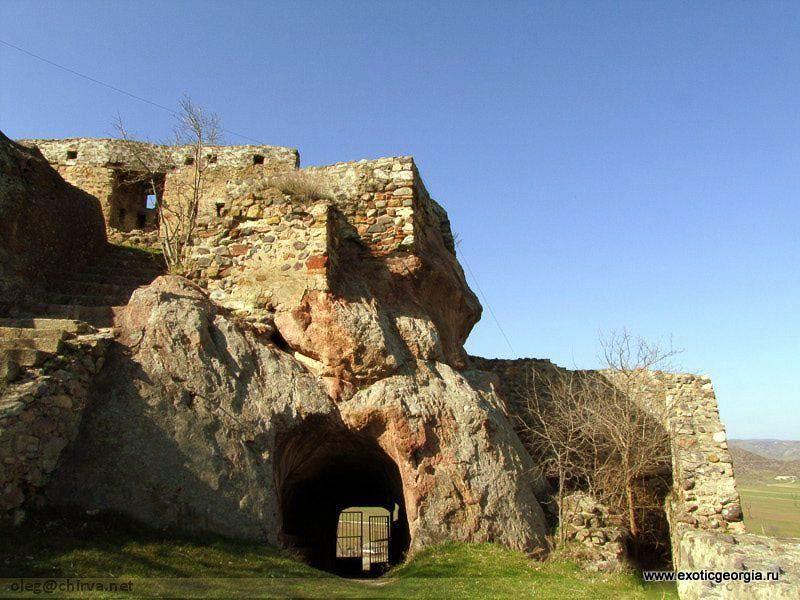 Крепость Квеши
