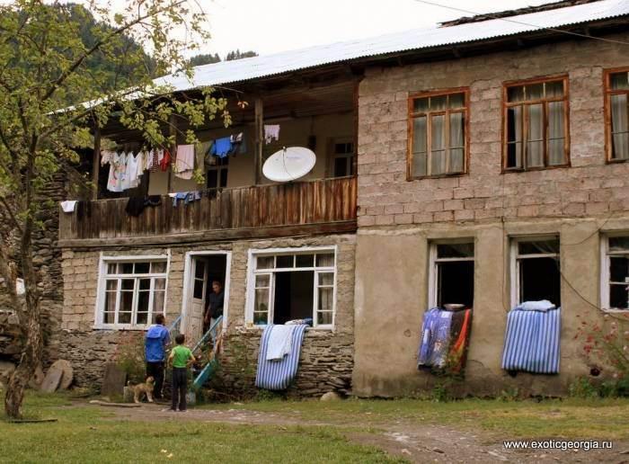 село Богреши, гостевой дом Стоит прямо у самой дороги, хорошо видно