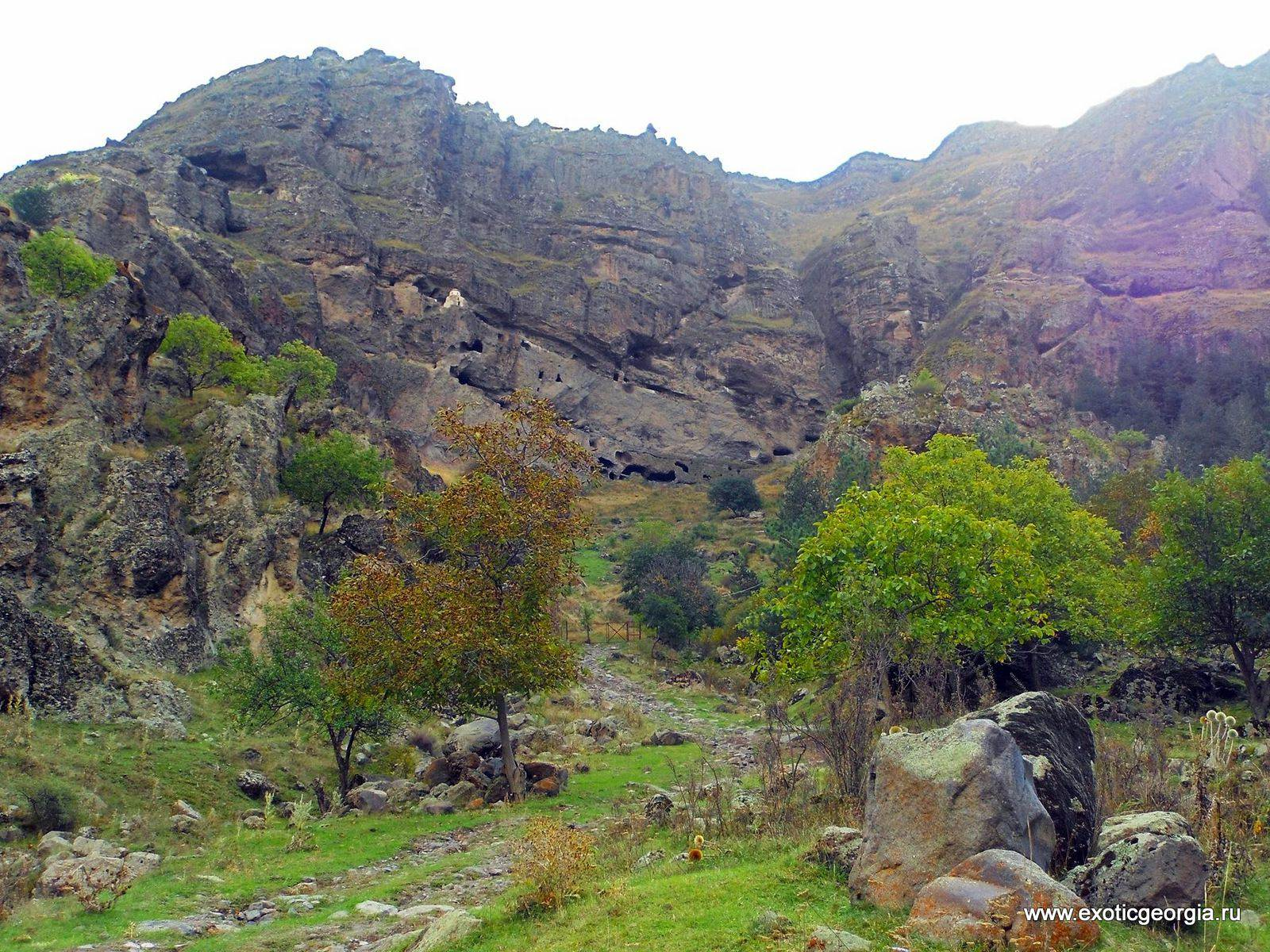 Ванские пещеры