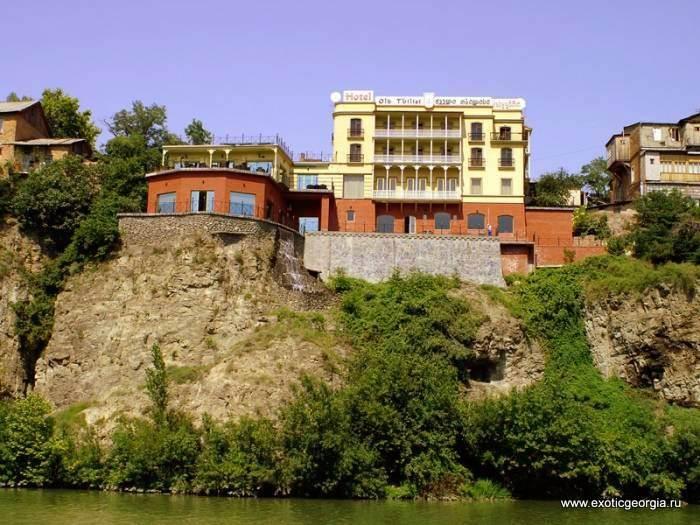 4-х звездочный отель над Курой, Тбилиси