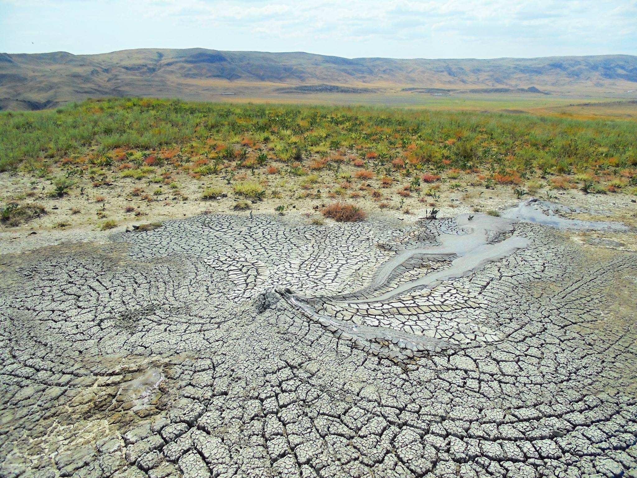 Грязевые вулканы ТАХТИ-ТЕПА