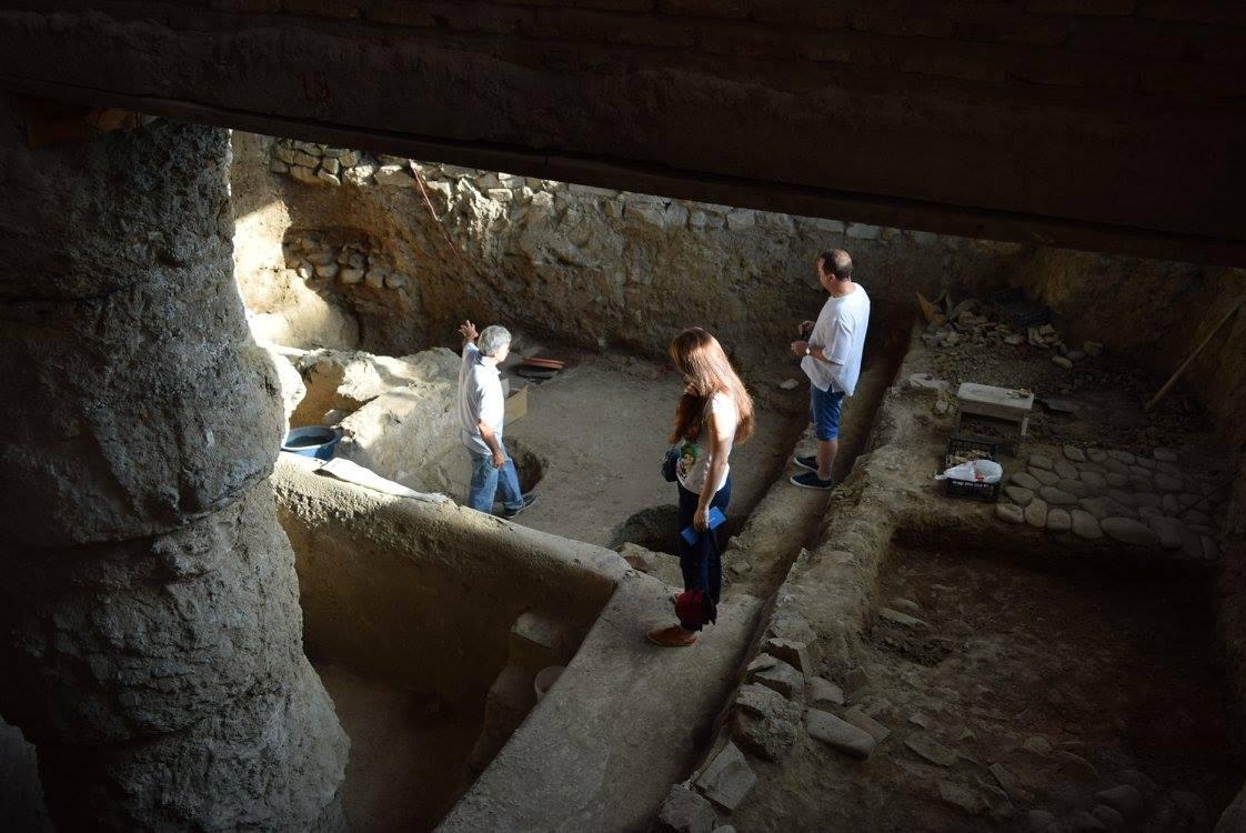на экскурсии на раскопках на территории Храма, рассматриваем термы 1 века