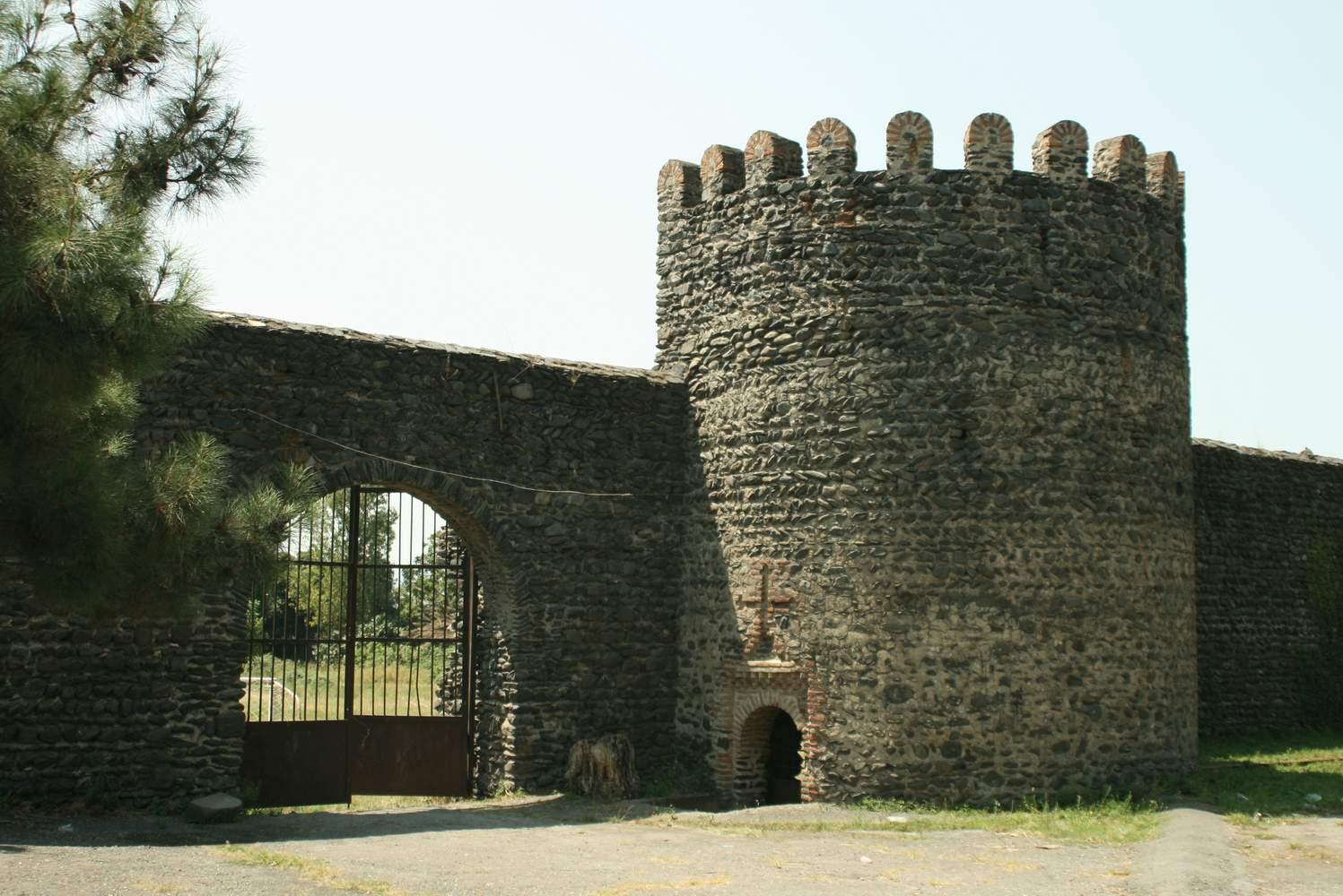 Кварели крепость