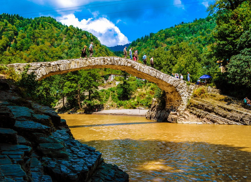 Арочный мост Царицы Тамар
