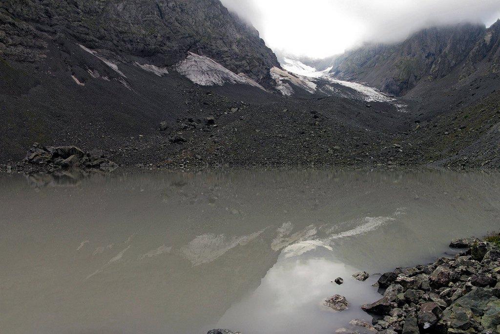 Белое озеро Абуделаури