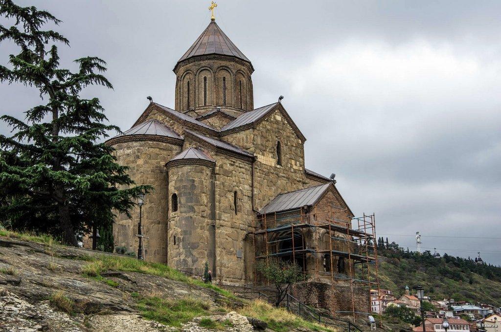 Метехи, Майские праздники в Грузии