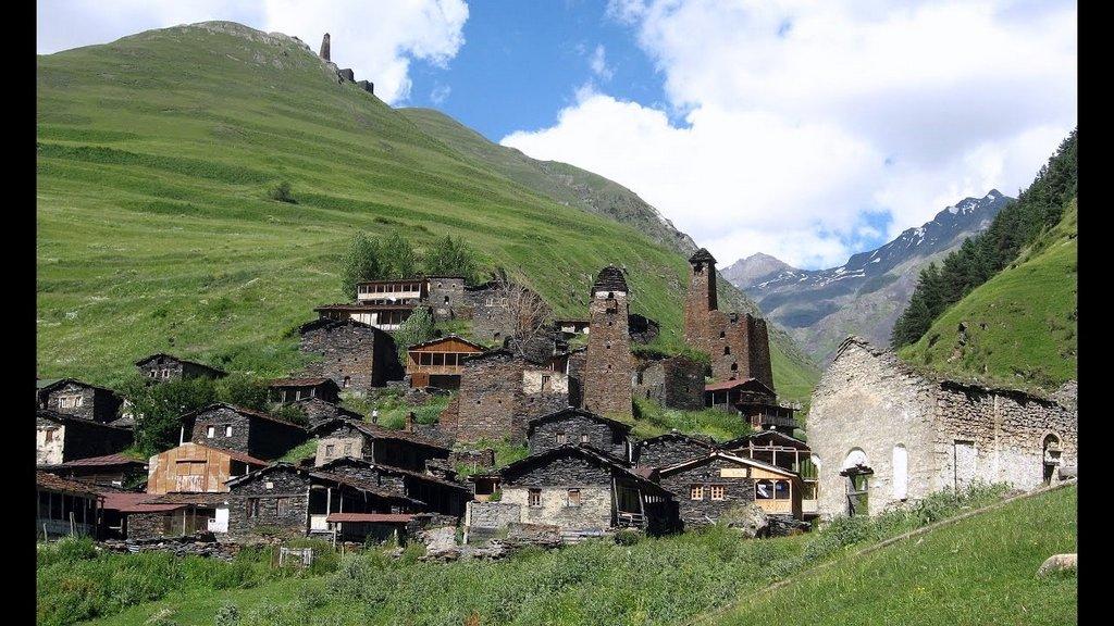 Село Джута, тур по Хевсуретии и ущельям Казбеги