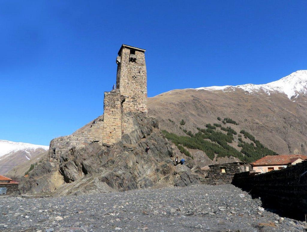 Ущелье Сно с боевой башней