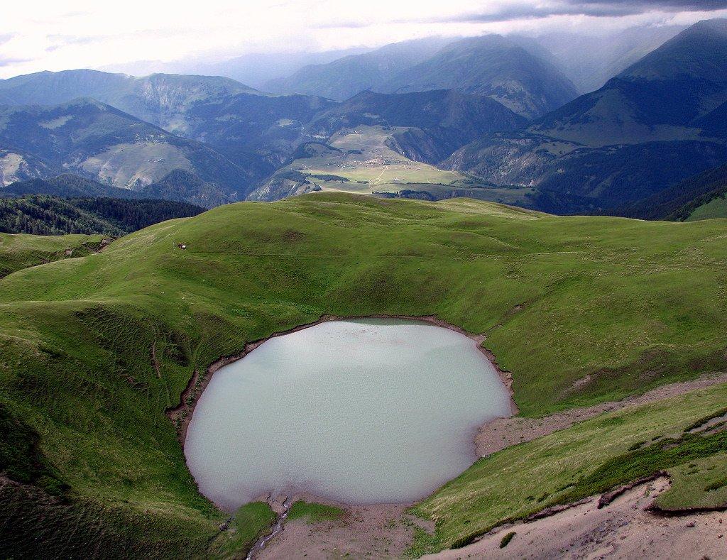 озеро Орети, в туре Перевалы и горы Восточной Грузии