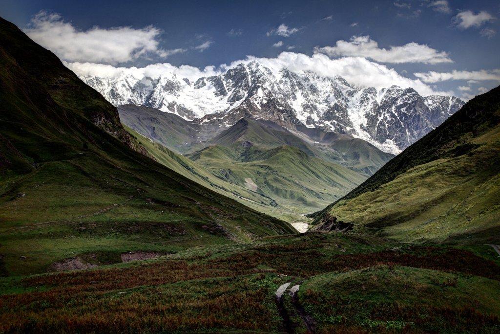 Казбеги, туризм в Казбеги