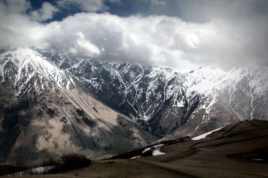 Пешие и конные прогулки по Казбеги