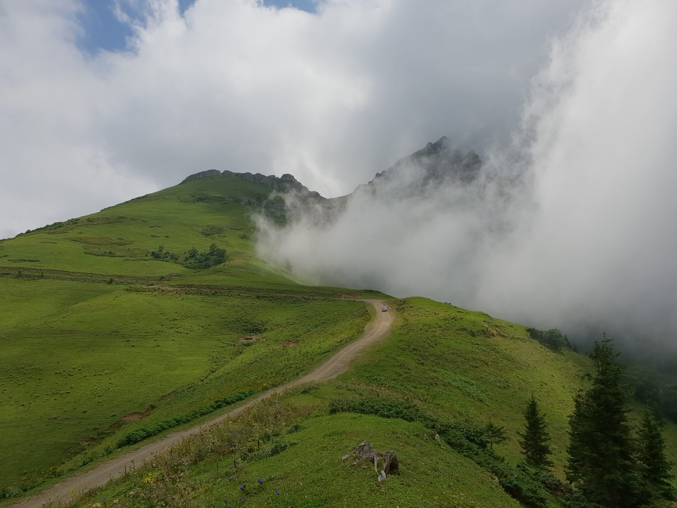 Зекарский Перевал